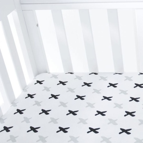 Amani Bebe Fitted Sheet - Tic Tac Toe (Standard Square Corner)